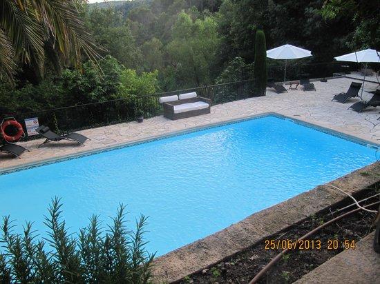 Un Ange Passe : la piscine