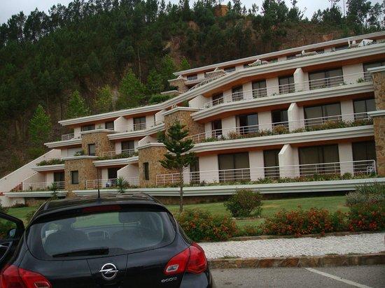 Apartamentos do Lago : Apartment exterior