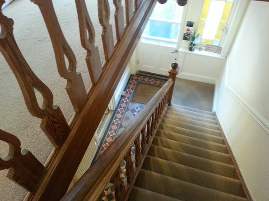 Rivendell Guest House: Beautiful floor and hallway/stairs