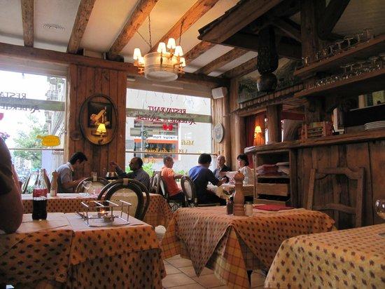 Auberge de Saviese: The inside of the restaurant.