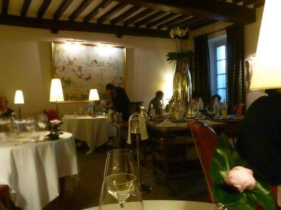 Maison Lameloise: Un aperçu d'une des salles du restaurant.