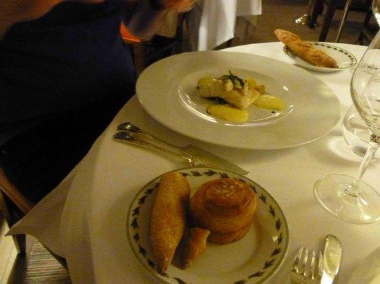 Maison Lameloise : Turbot cuit basse vapeur, couteaux (coquillages ici comme une viande), mayonnaise citron vervein