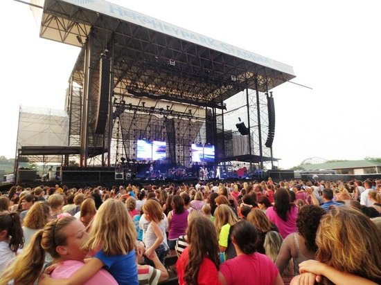 Hersheypark Stadium: Section C, row 20 for Victoria Justice.