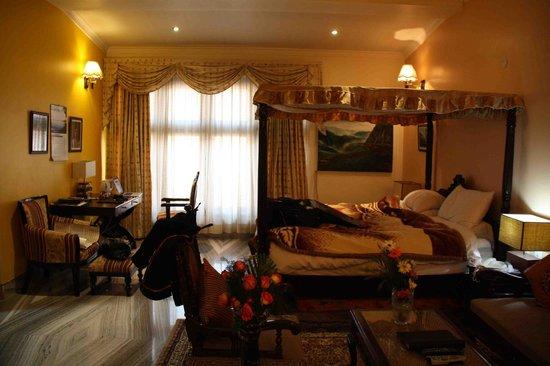 Lakkhotaa Lodge: Very comfortable bedroom