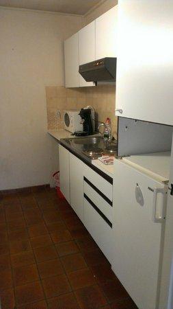 Appart Hotel Corbie: Kitchen