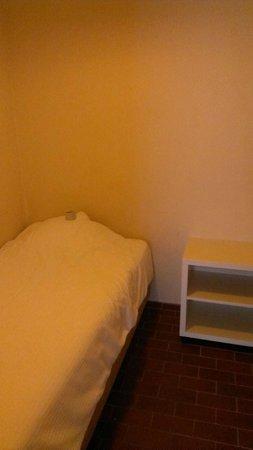 Appart Hotel Corbie : Spare bedroom