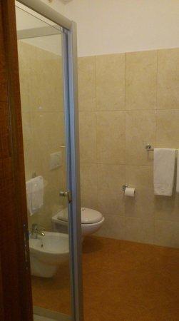Hotel Gullo: bagno