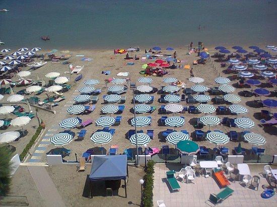 Hotel Internazionale: la spiaggia privata!!!