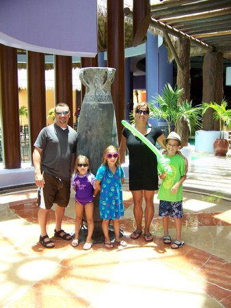 Iberostar Paraiso Maya: Near the snake bar
