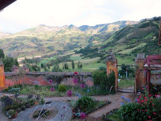 Hacienda La Posada de las Nubes: View from second level balcony