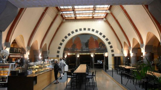 a beautiful art nouveau hall of Aschan Cafe Jugend
