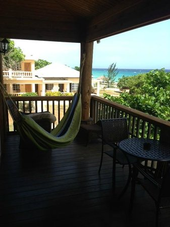 Westender Inn: Hammock overlooking paradise- hammocks all over to relax, swing in the breeze listening to waves