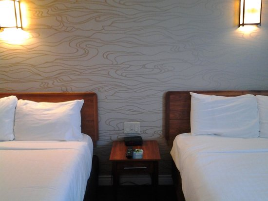 Sawridge Inn and Conference Centre Fort McMurray: room
