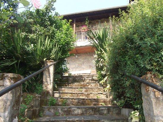 Subiendo Desde El Jardin Picture Of Casa Dos Muros Panton - Muros-jardin