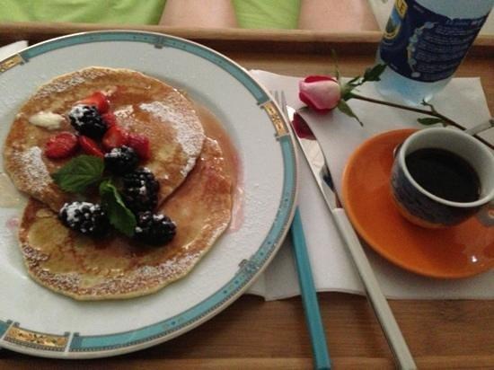 B&B Villa Marina Cleto : pancake con more del giardino di Villa Marina
