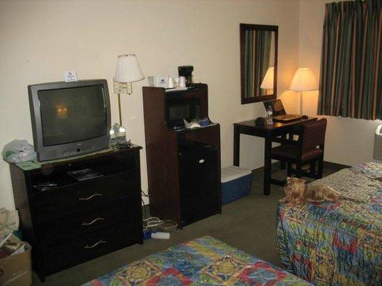 Americas Best Value Inn Yosemite-Oakhurst: Our room
