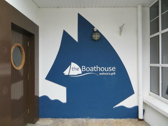 The Boathouse: sign