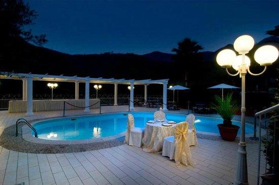 Pimonte, İtalya: La piscina...