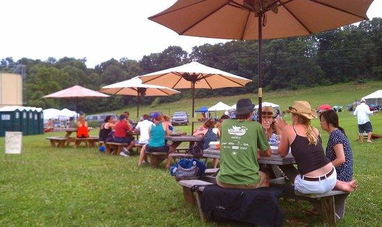 Sugarloaf Mountain Vineyard: BBQ Festival, July 2013