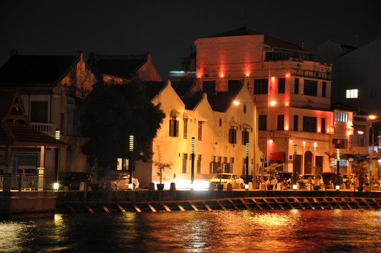Heeren House, view from riverside at the evening