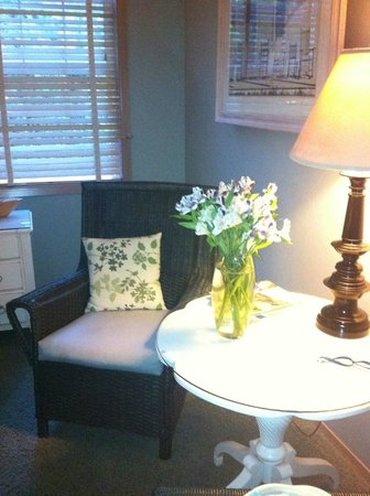 Lost Mountain Lodge : A lovely reading nook in our suite.