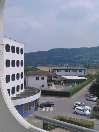 Hotel Castelli: A view of the mountains
