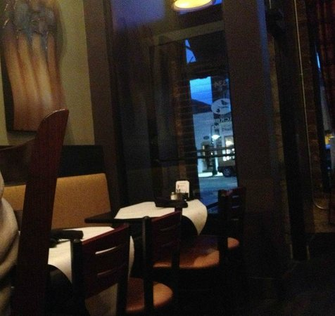 Blackbird Bistro: front table and view