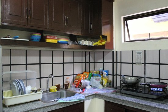 Apartelle - Kitchen (Supplies C/O Guests) - Picture Of Costa Villa