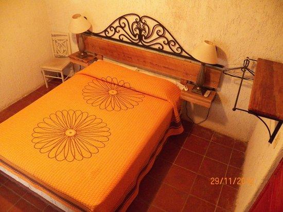 Hotel Posada San Martin: habitación con cama grande
