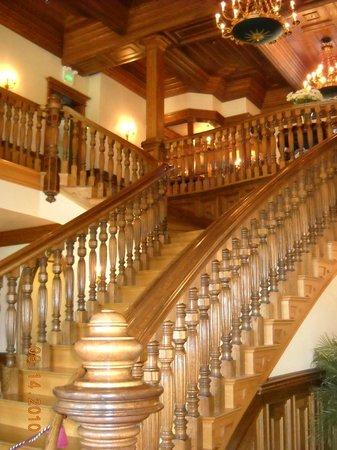 Sonoma Plaza: Beautiful stairway in winery