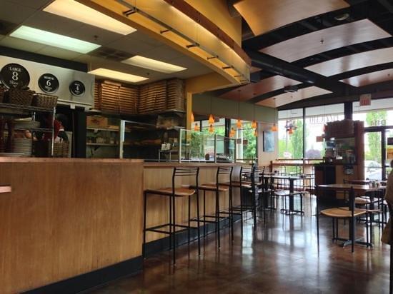 Pizzicato Gourmet Pizza: nice interiors