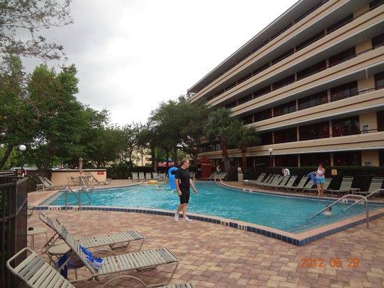 Rosen Inn at Pointe Orlando: uma das piscinas