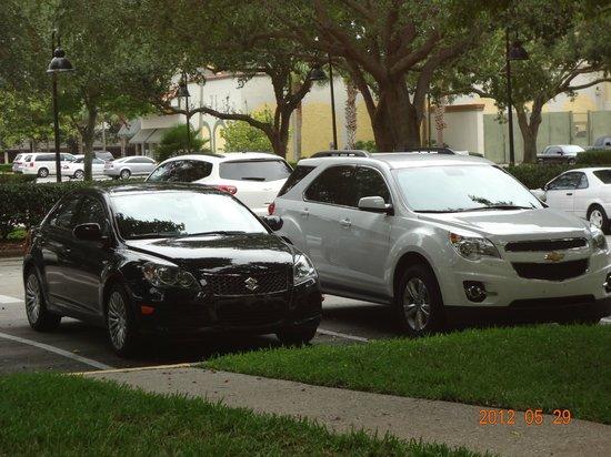Rosen Inn at Pointe Orlando: pátio do estacionamento
