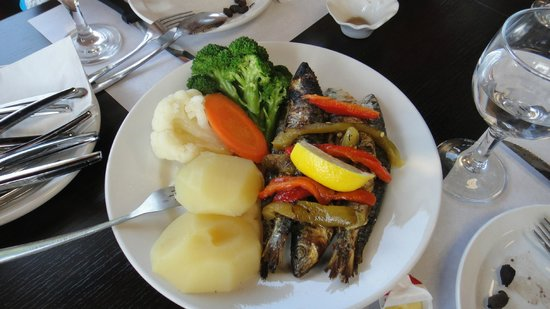 Churrasco of Portugal : Grilled sardines