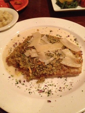 Red's Fresh Seafood House & Tavern: Tripletail Fish