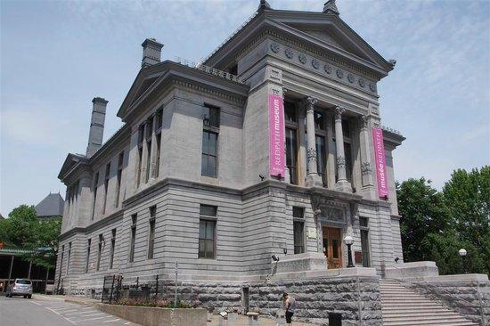 McGill University: Redpath Museum