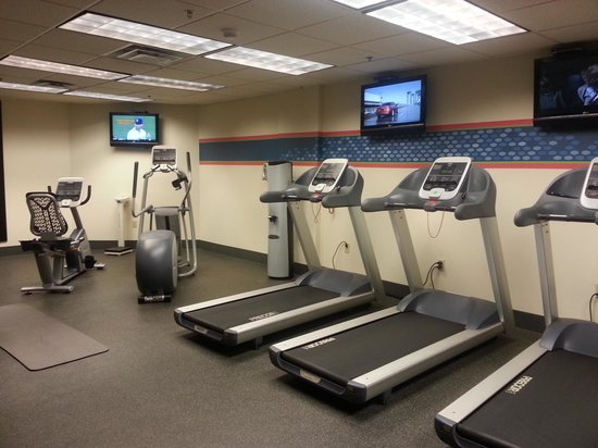 Hampton Inn & Suites Atlanta - Downtown: Exercise Room