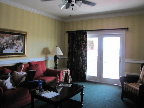 Chippewa Hotel Waterfront: Suite 212