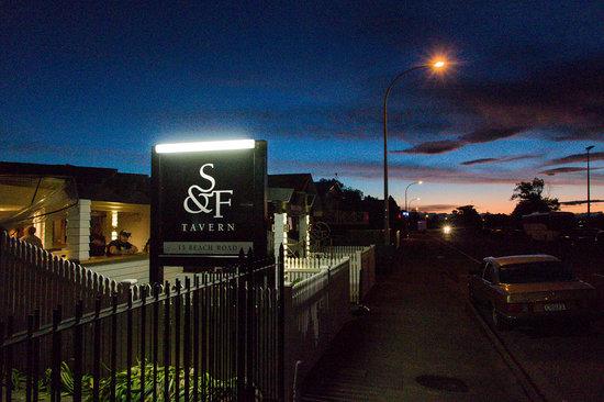 Sprig & Fern Tahuna: Beautiful summer sunsets