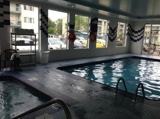 Sandman Hotel & Suites Regina: pool