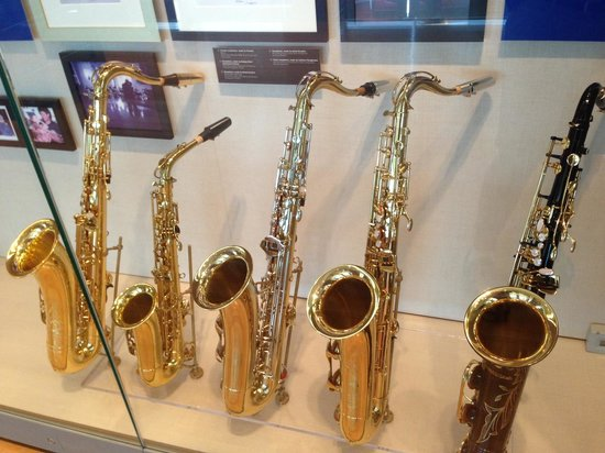 William J. Clinton Presidential Library: Clinton sax collection