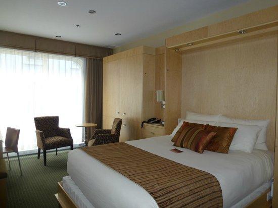 Hotel du Vieux-Quebec : room6