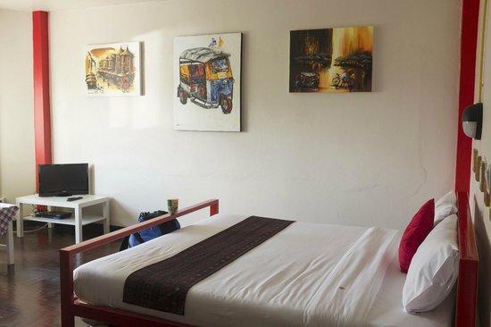 FUN-D Hostel: Double Deluxe Room