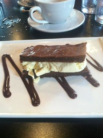 Elixir Restaurant: brownie ic sandwich. great finish.