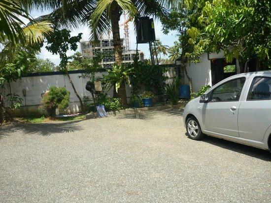 GOOD STORY (Neptune Resort): parking area