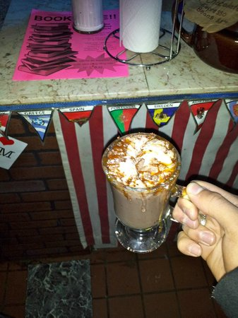 Rim Cafe: volcano hot chocolate