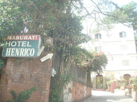 Hotel Henrico - Legarda: Hotel Henrico Kisad Rd.