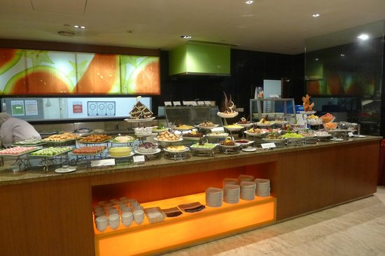 Concorde Hotel Shah Alam: Buffet table