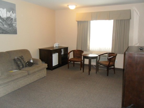 Days Inn by Wyndham Golden: Living room