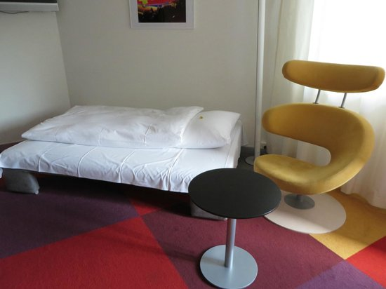 BEST WESTERN Hotelbern: Unconfortable sofa bed